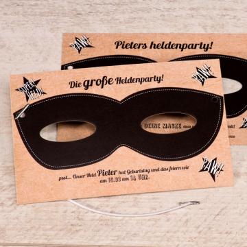 Originelle Geburtstagseinladung mit Maske zum ausschneiden