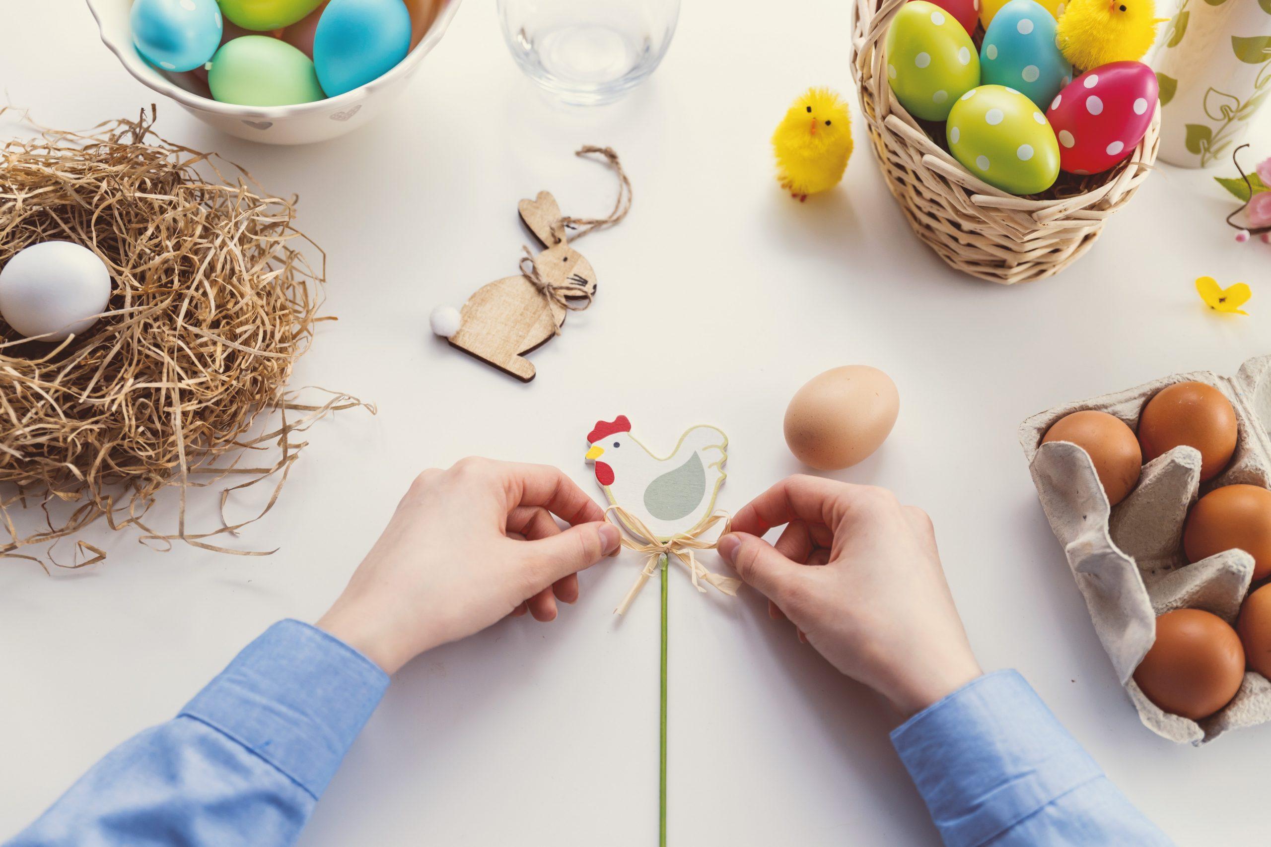 Ostergeschenke dekorieren